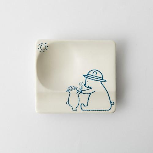 83 H KUMA 重宝皿 ブルー2-item