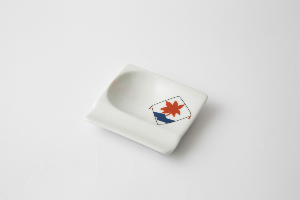 249 重宝皿 長崎凧 水に紅葉1-item