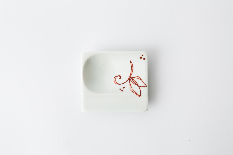 重宝皿 鉄仙花 赤2